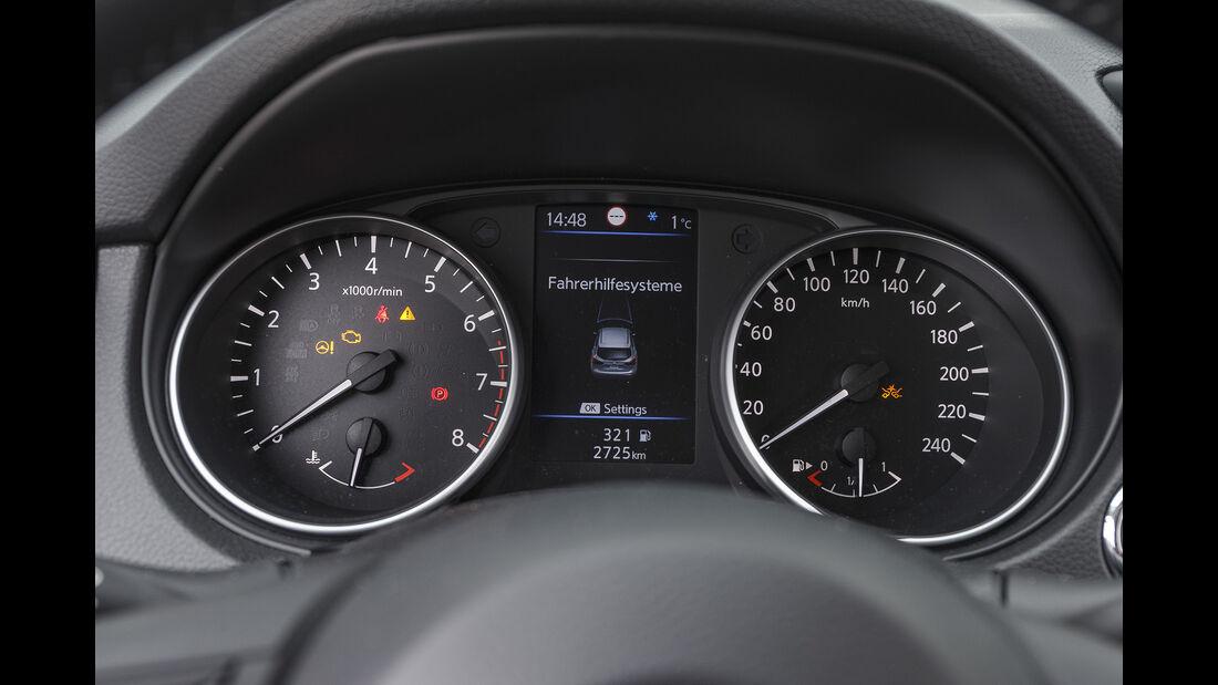 Nissan Qashqai 1.3 DIG-T, Instrumente