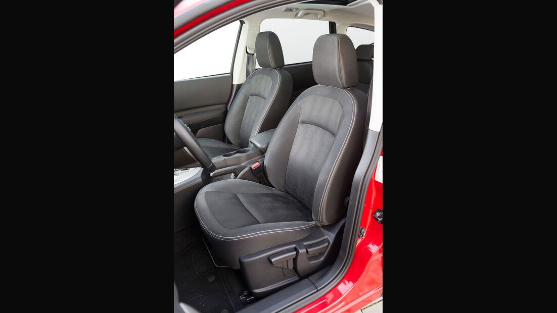 Nissan Qashqai +2 2.0 dCi, Fahrersitz