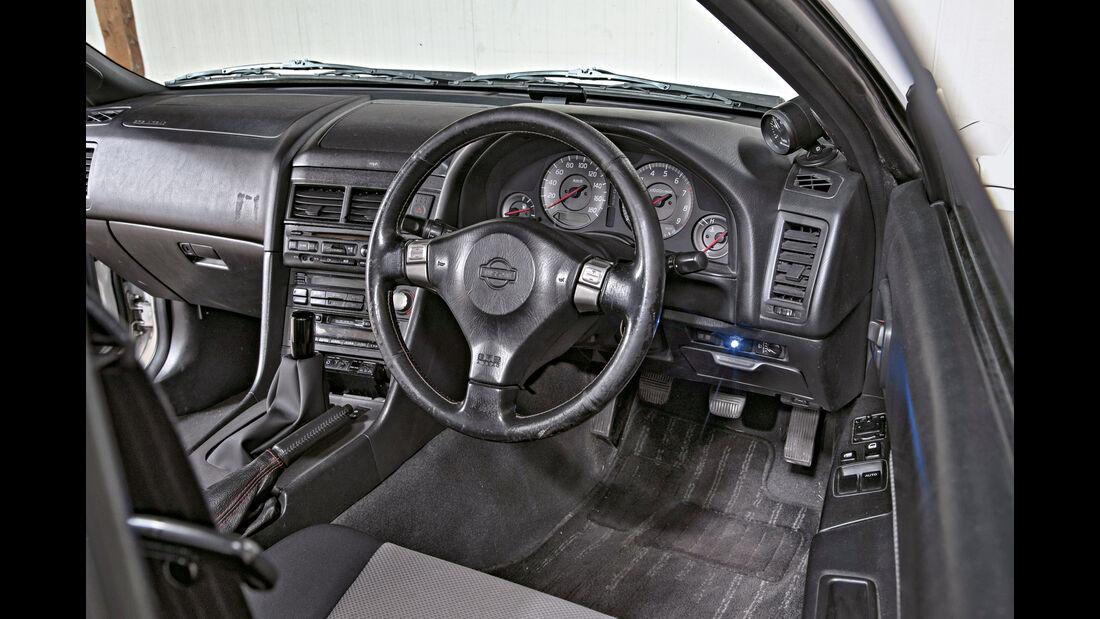 Nissan Skyline, Cockpit