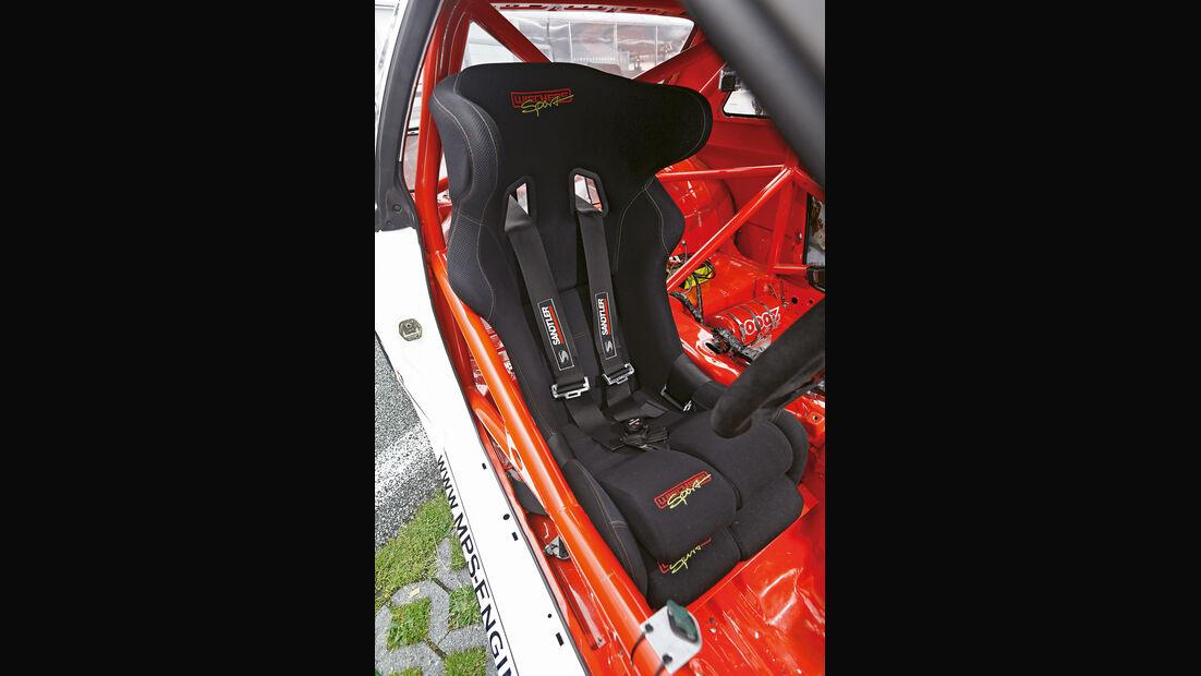 Nissan Skyline GT-R BNR32, Fahrersitz