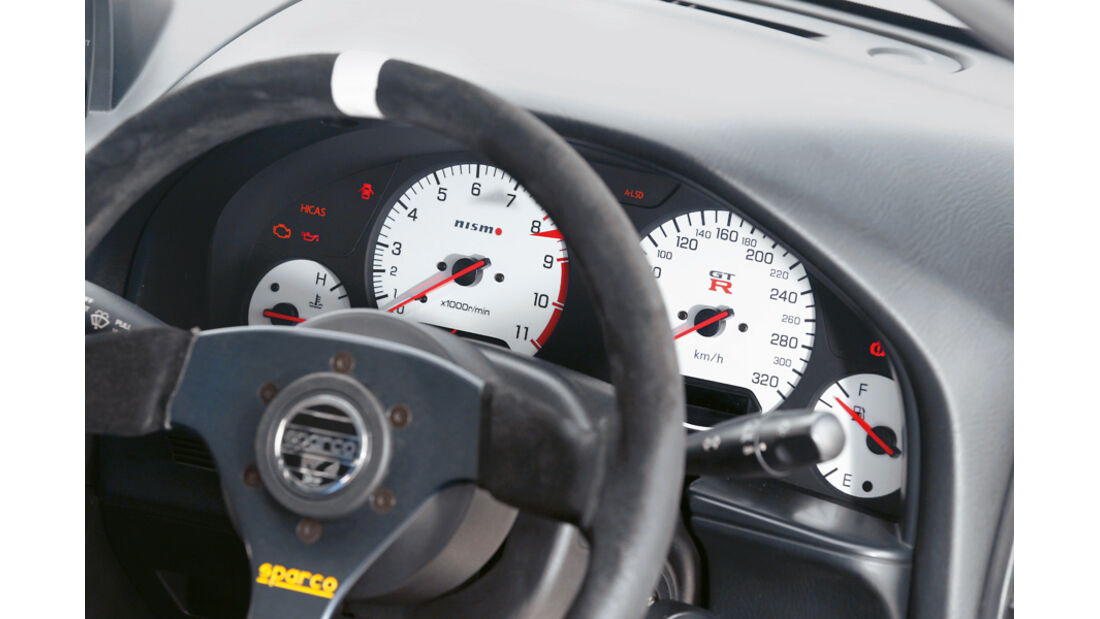 Nissan Skyline GT-R BNR34, Lenkrad, Detail