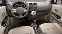 Nissan Sunny, Innenraum