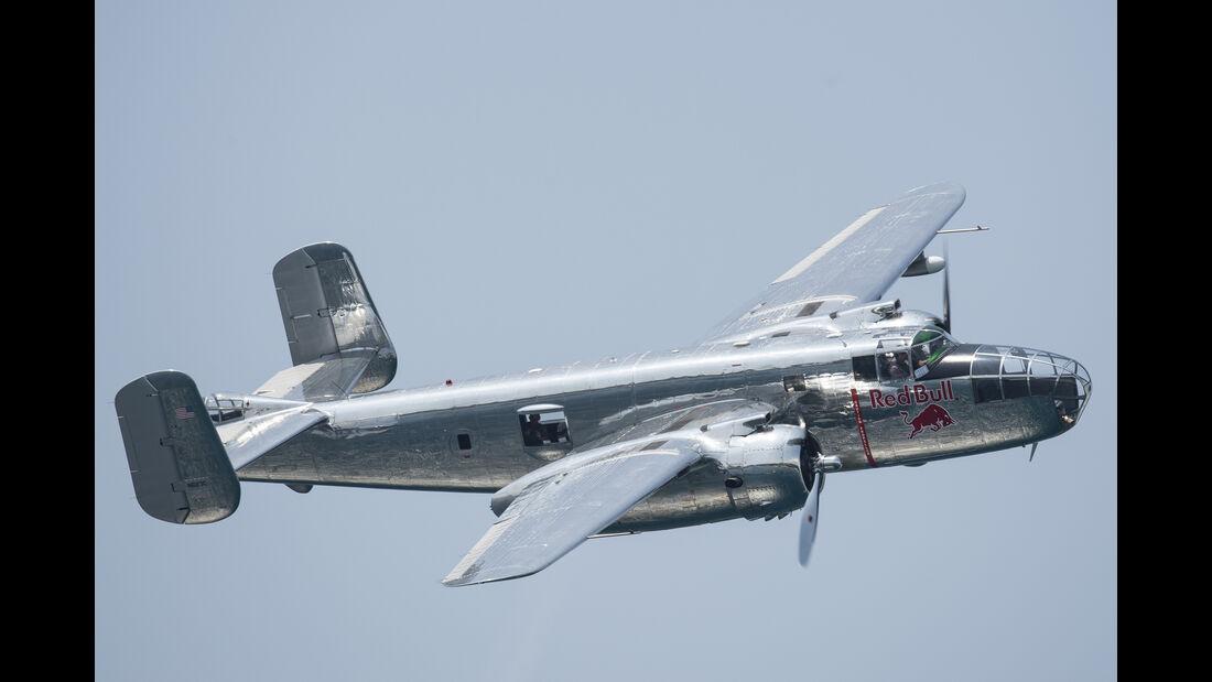North American B-25 Mitchell - Red Bull