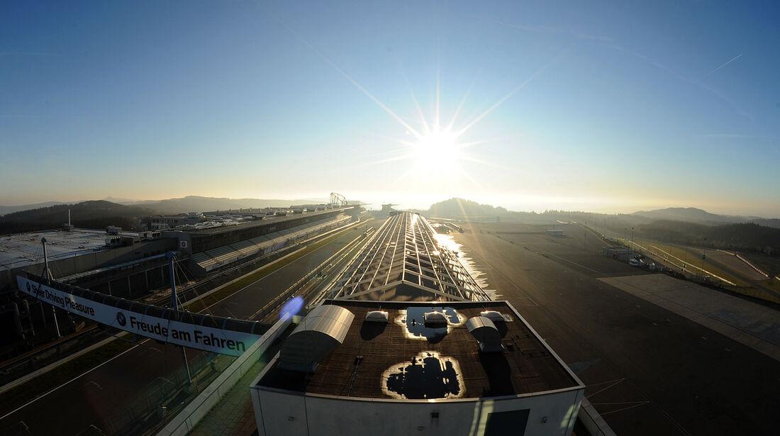 Nürburgring Fahrerlager Boxengasse