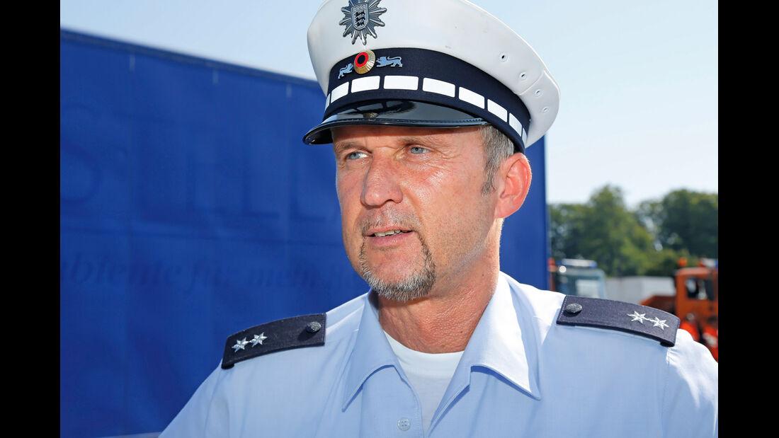 Oberkommissar Roland Thiel, Autobahnpolizei Stuttgart