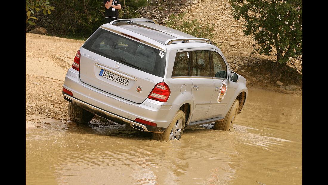 Offroad-Challenge 2010, Mercedes GL, Wasserdurchfahrt