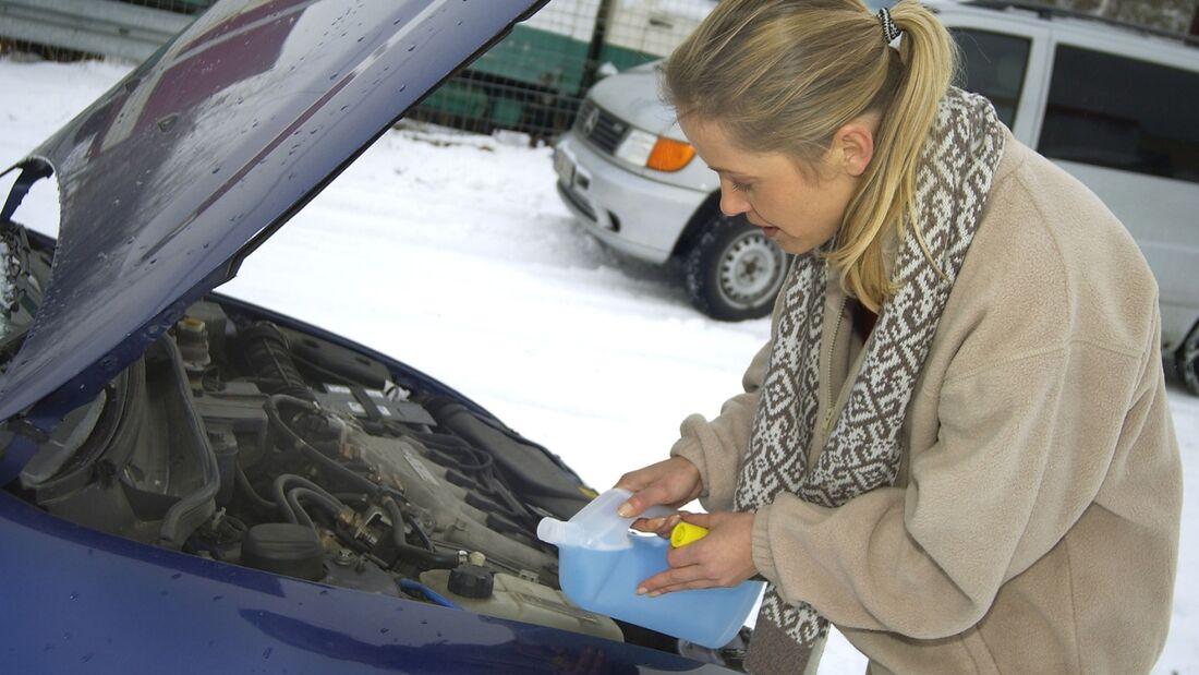 Ohne Frostschutz im Kühlwasser riskieren Sie einen Motorschaden.