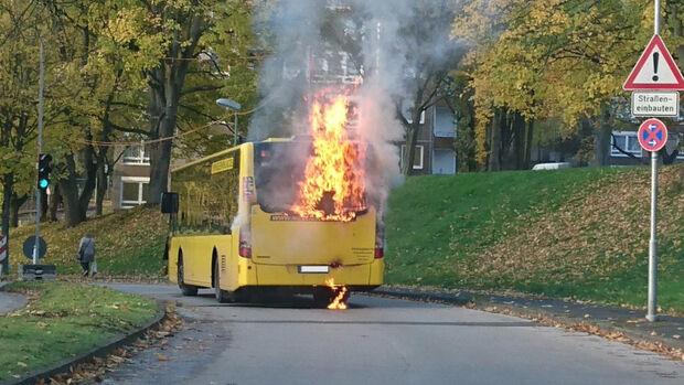 Omnibus brennend Mesenhohl Essen