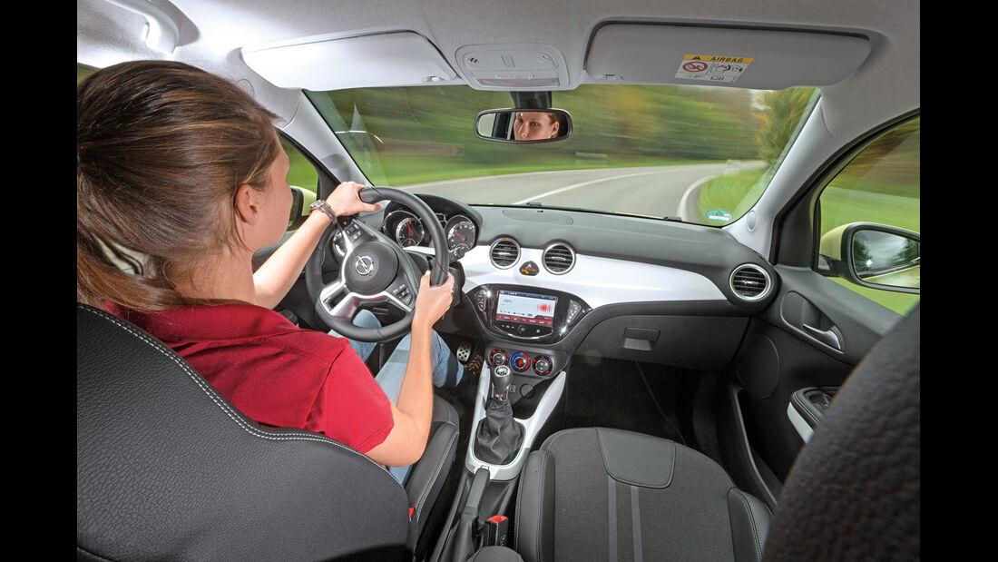 Opel Adam 1.0 DI Turbo, Cockpit, Fahrersicht