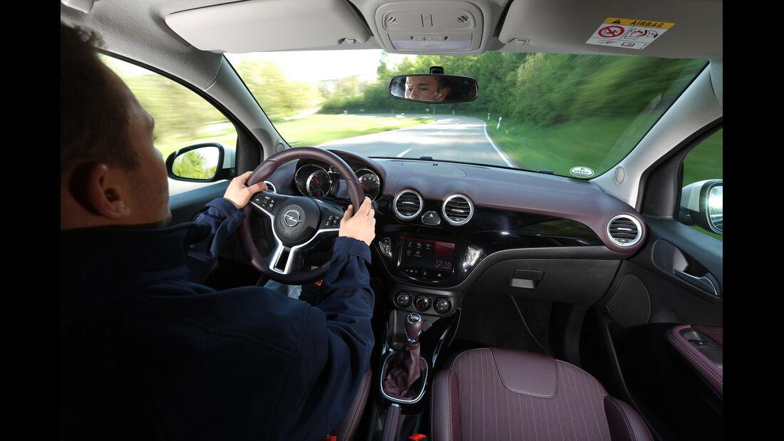 Opel Adam 1.4 LPG, Cockpit, Fahrersicht