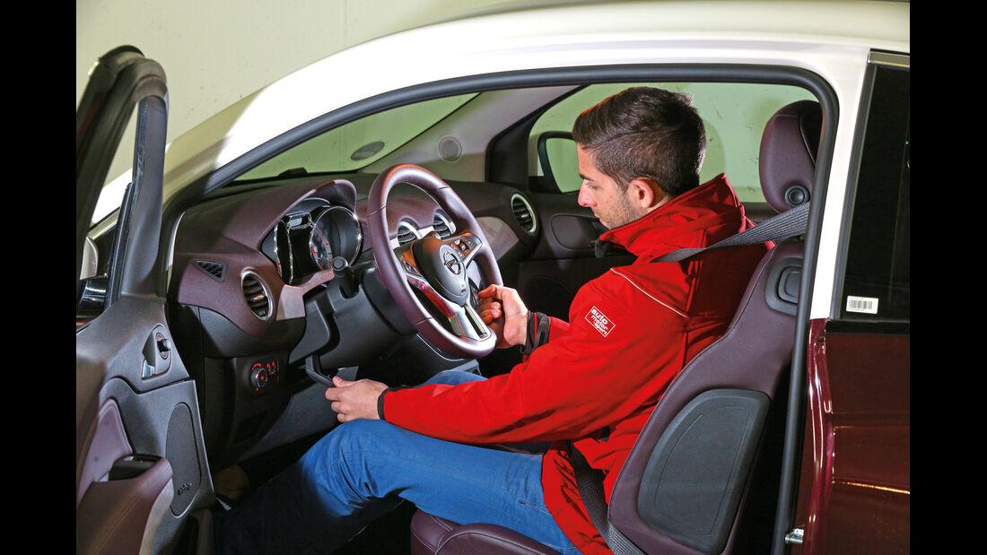 Opel Adam, Lenksäule, Verstellbar
