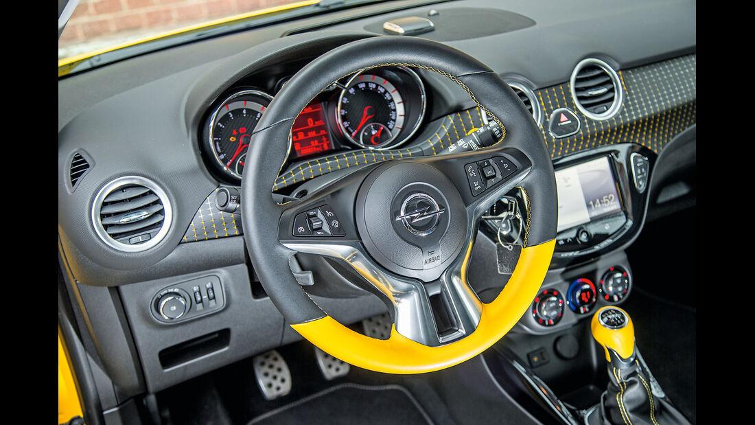 Opel Adam Rocks, Cockpit