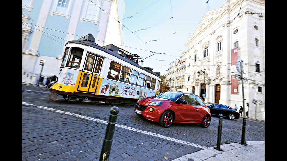 Opel Adam, Seitenansicht, Straßenbahn