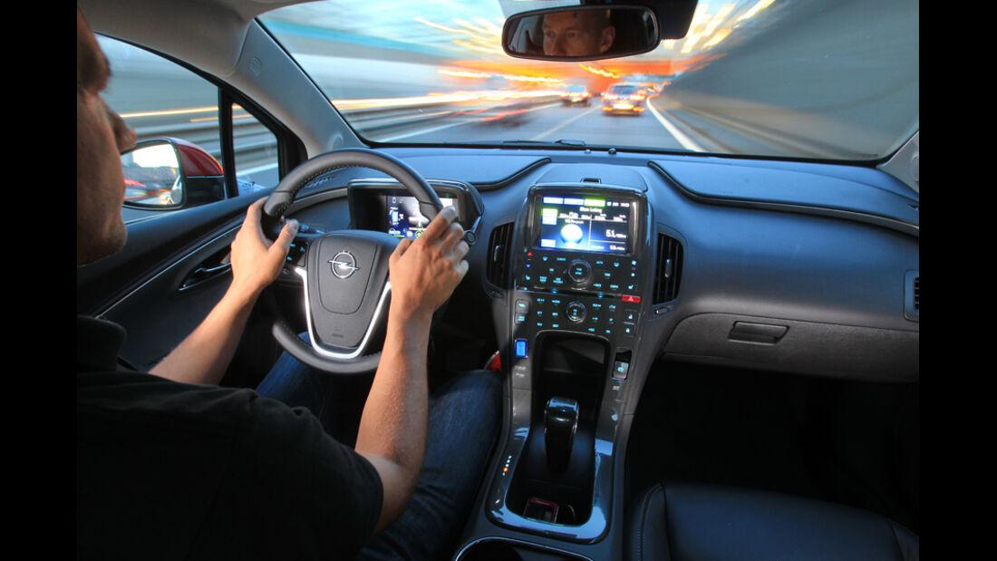 Opel Ampera, Lenkrad, Cockpit