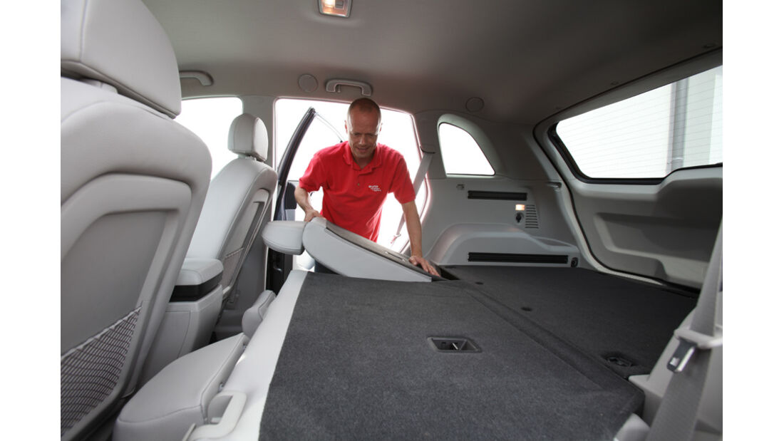 Opel Antara 2.2 CDTI Cosmo, Fond, umgeklappte Sitze