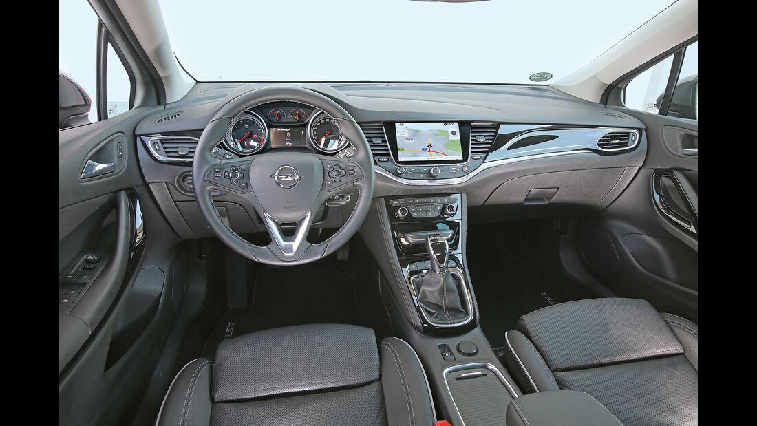 Opel Astra 1.0 DI Turbo, Cockpit