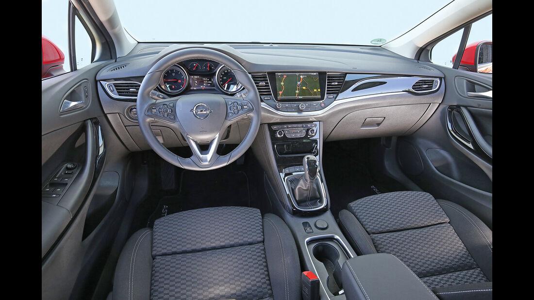 Opel Astra 1.0 Turbo, Cockpit