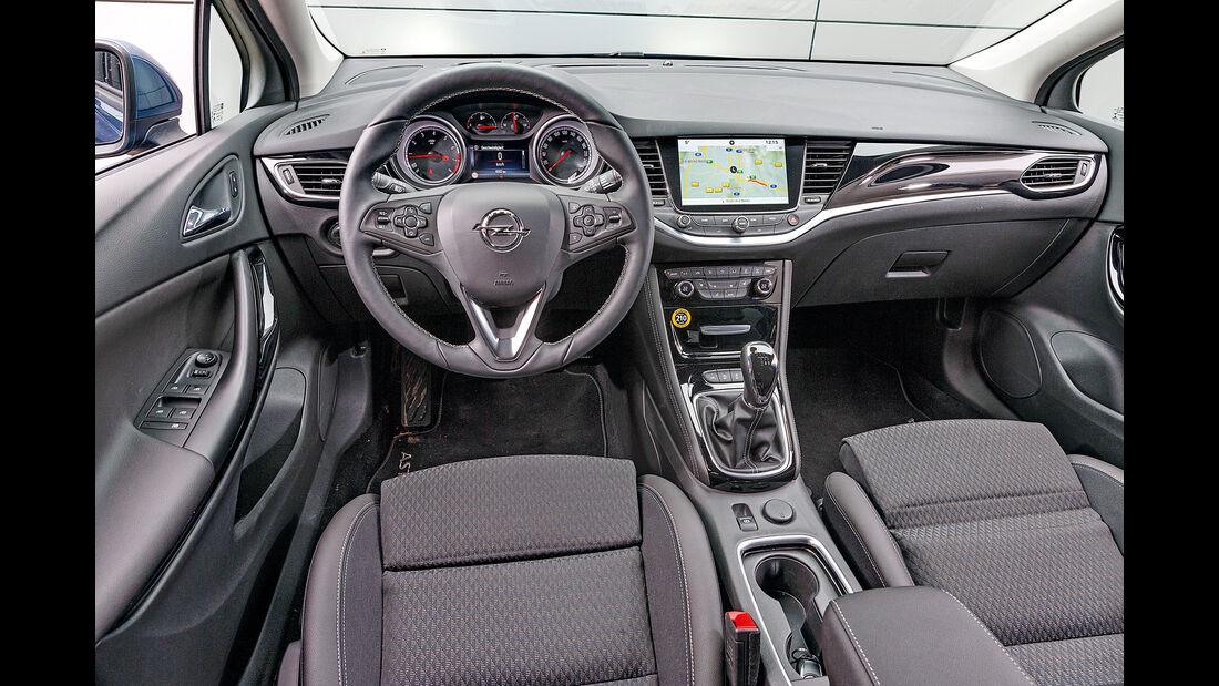 Opel Astra 1.4 DI Turbo, Cockpit