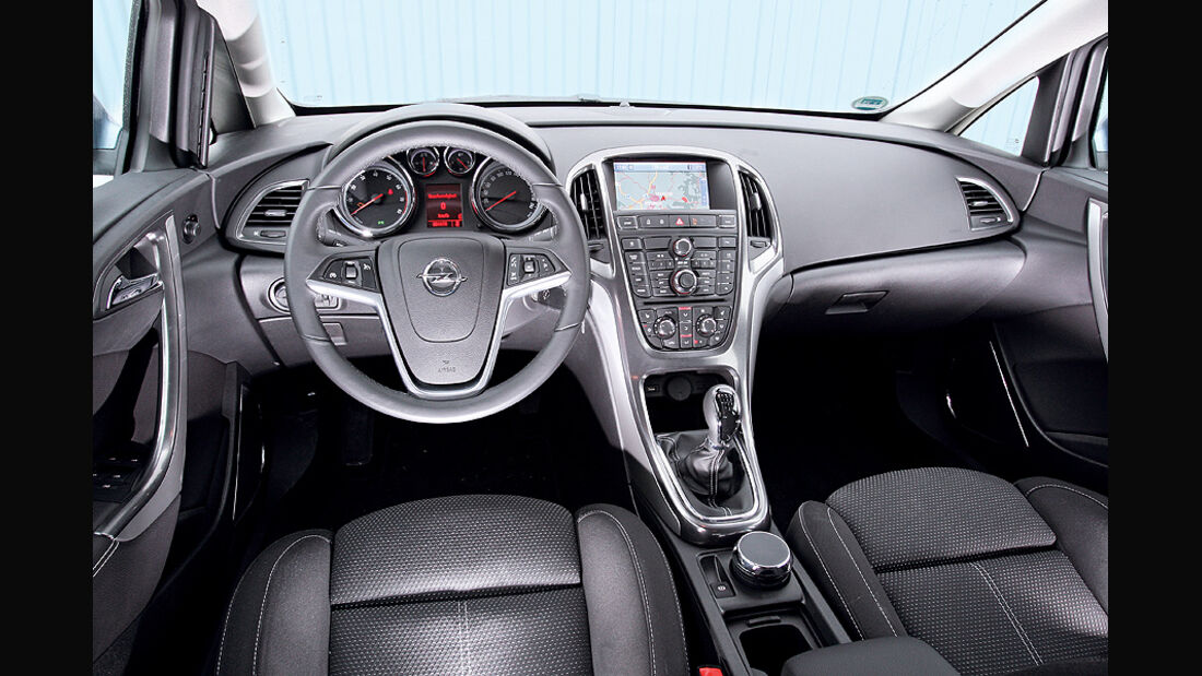 Opel Astra 1.4 Turbo, Cockpit
