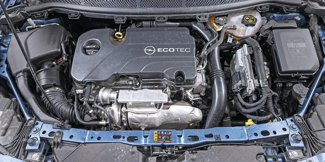 Opel Astra 1.4 Turbo, Motor
