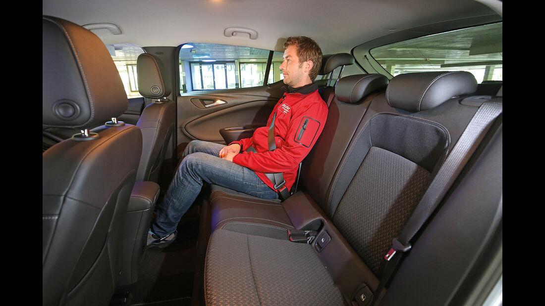 Opel Astra 1.6 Biturbo CDTI, Fondsitze