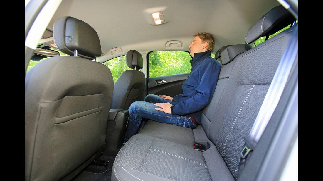 Opel Astra 1.6 CDTI EcoFLEX, Fondsitz, Beinfreiheit