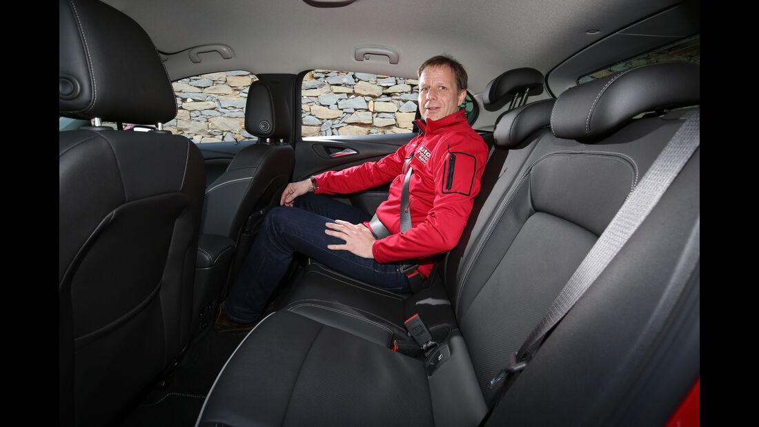 Opel Astra 1.6 CDTI, Fondsitze
