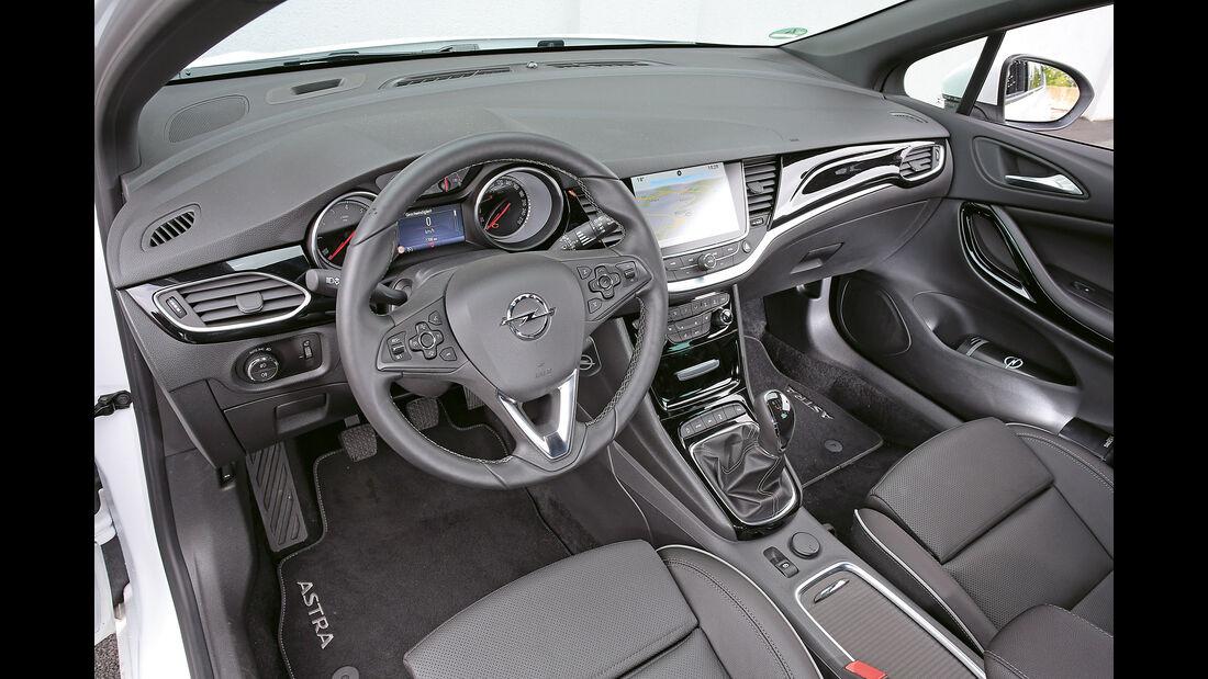 Opel Astra 1.6 DI Turbo, Cockpit