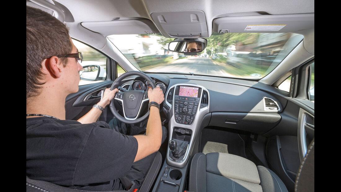 Opel Astra 1.6 SIDI Turbo, Cockpit, Fahrersicht