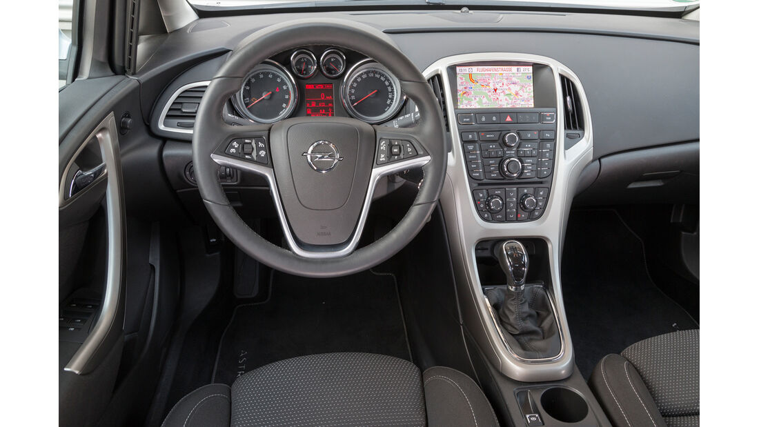 Opel Astra 1.6 SIDI Turbo, Cockpit, Lenkrad