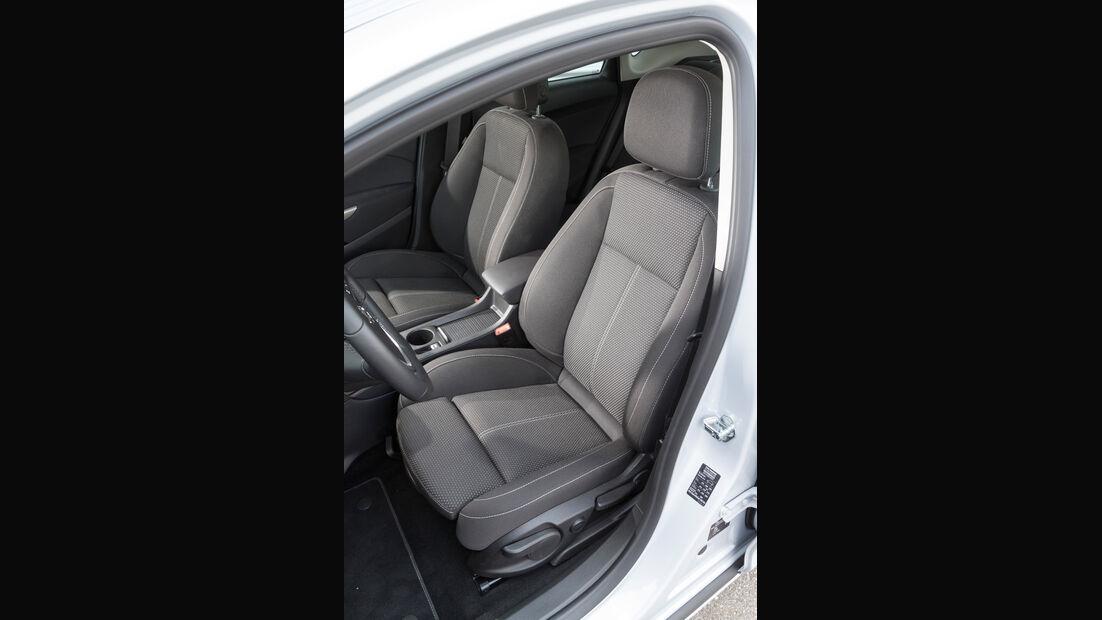 Opel Astra 1.6 SIDI Turbo, Fahrersitz