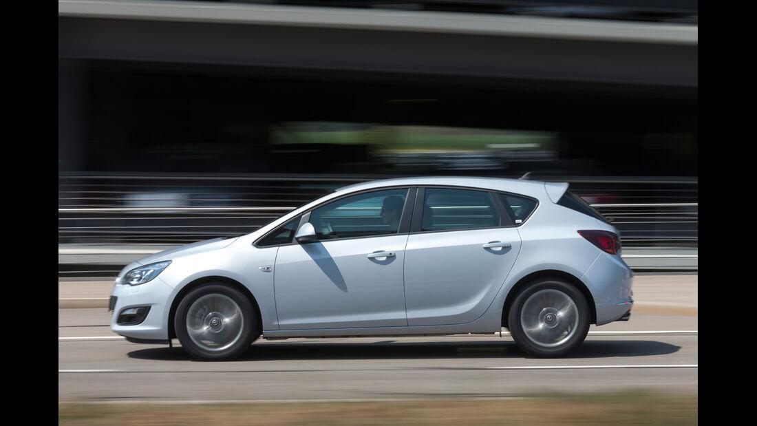 Opel Astra 1.6 SIDI Turbo, Seitenansicht