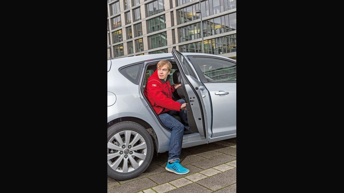 Opel Astra 1.6 Turbo Style, Aussteigen