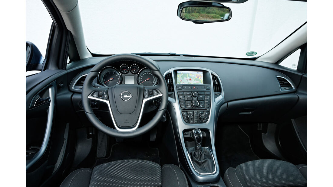 Opel Astra 1.7 CDTi Ecoflex, Cockpit, Lenkrad