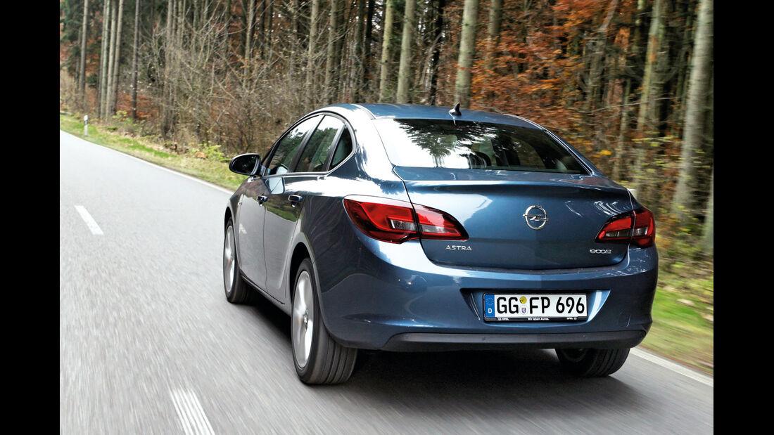 Opel Astra 1.7 CDTi Ecoflex, Heckansicht