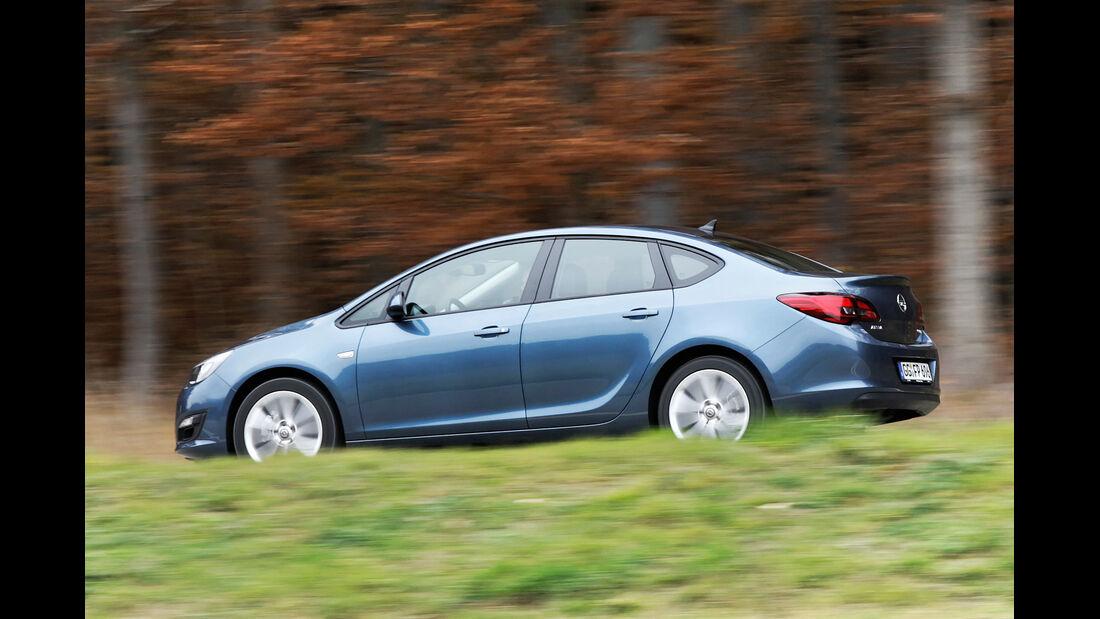Opel Astra 1.7 CDTi Ecoflex, Seitenansicht