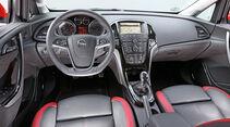 Opel Astra 2.0 CDTi BiTurbo, Cockpit