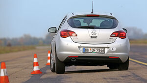 Opel Astra 2.0 CDTi, Heckansicht