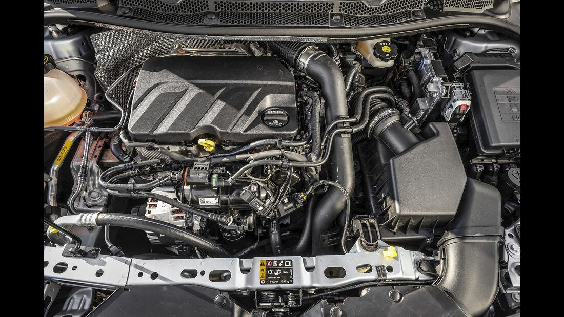 Opel Astra Facelift, Motorraum