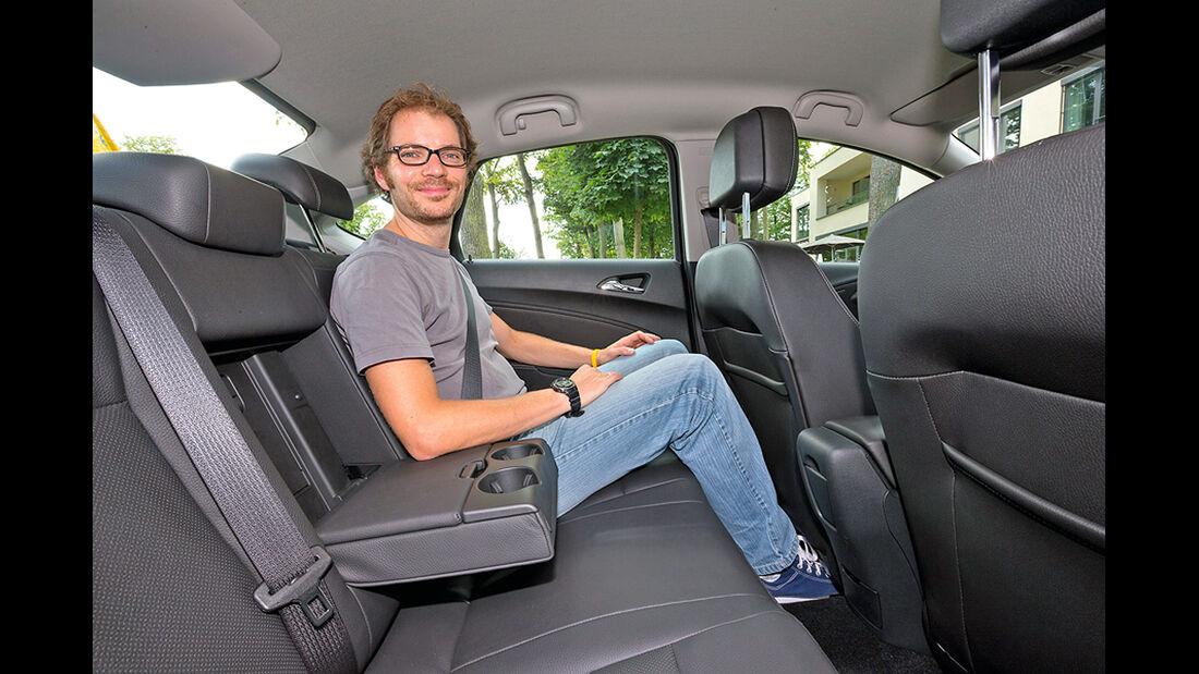 Opel Astra, Fond