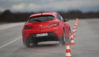 Opel Astra GTC 2.0 CDTi, Pylonen