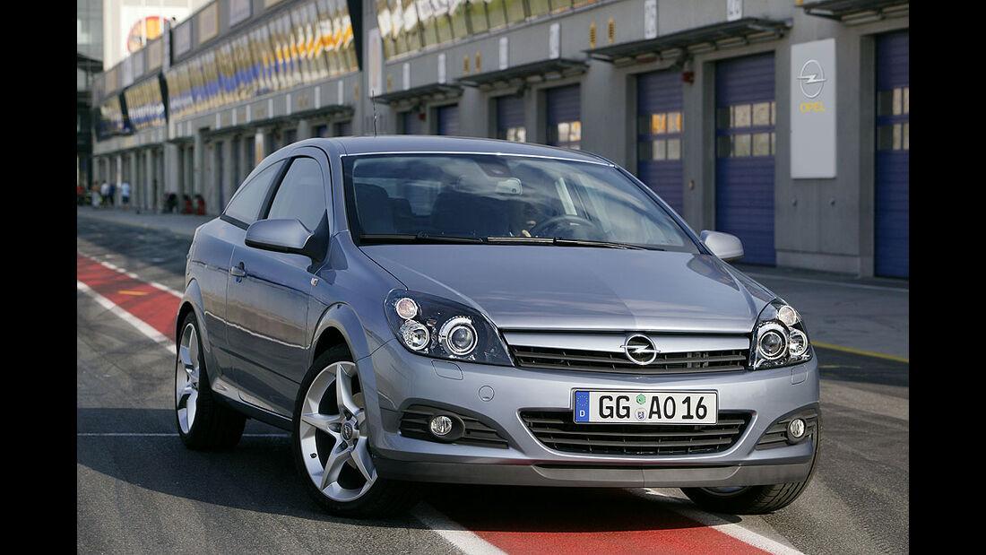 Opel Astra GTC, 2005