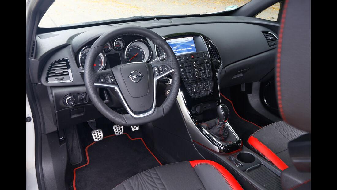 Opel Astra GTC Biturbo CDTI, Cockpit