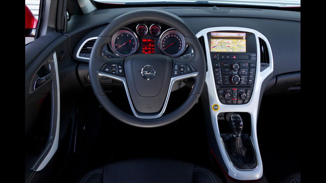 Opel Astra GTC, Cockpit