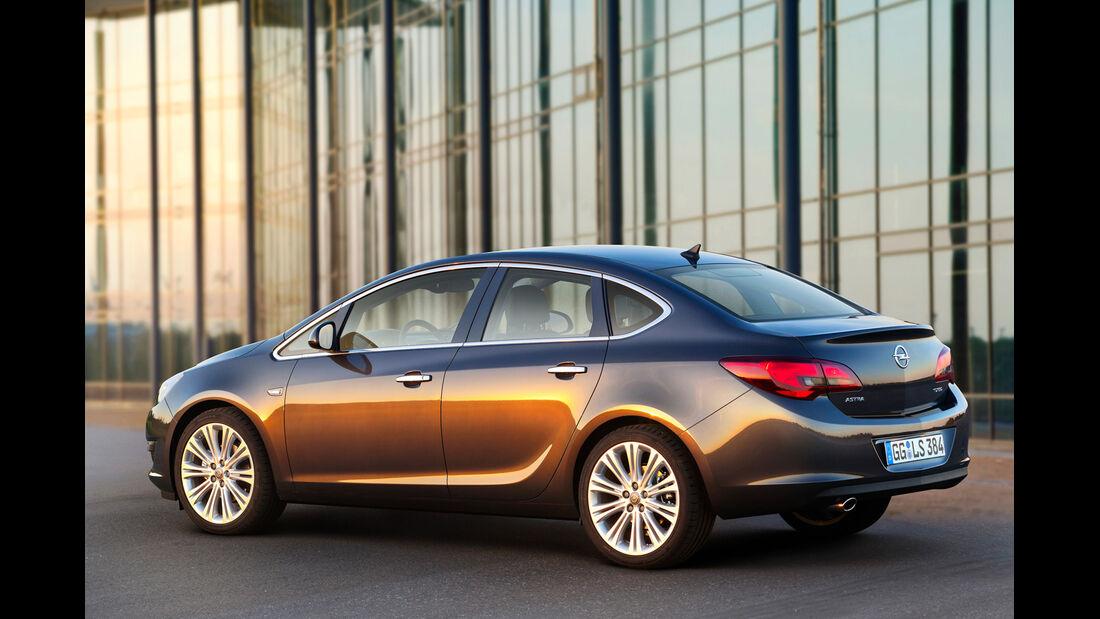 Opel Astra Limousine 1.7 CDTi Ecoflex Start/Stopp 99g Edition, Seitenansicht