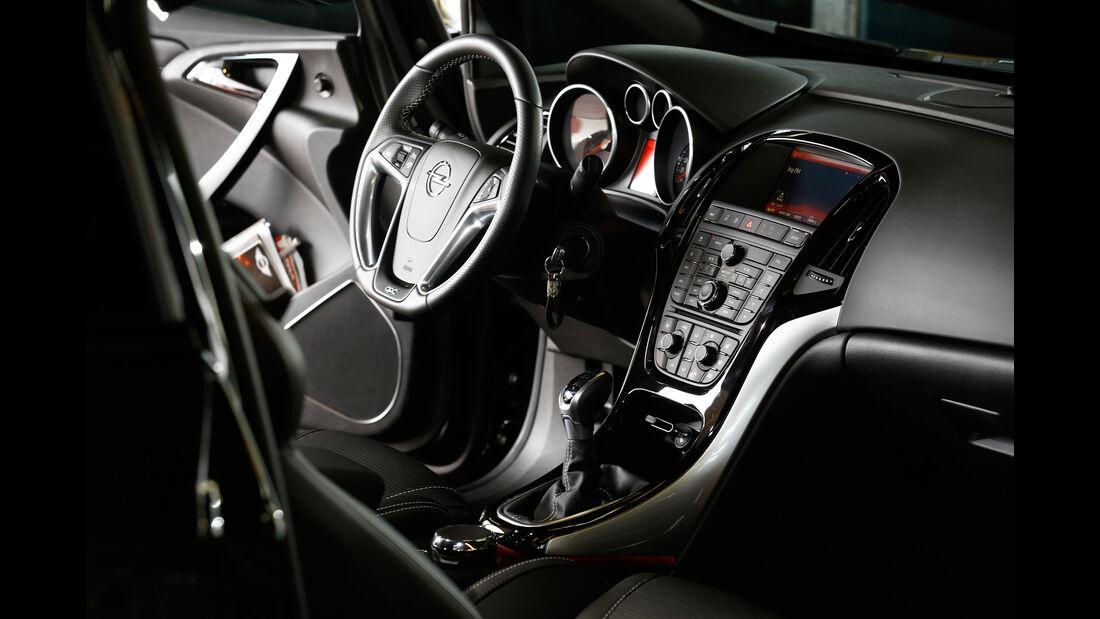 Opel Astra OPC, Cockpit