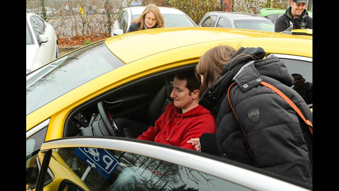 Opel Astra OPC, Cockpit, Sitzprobe