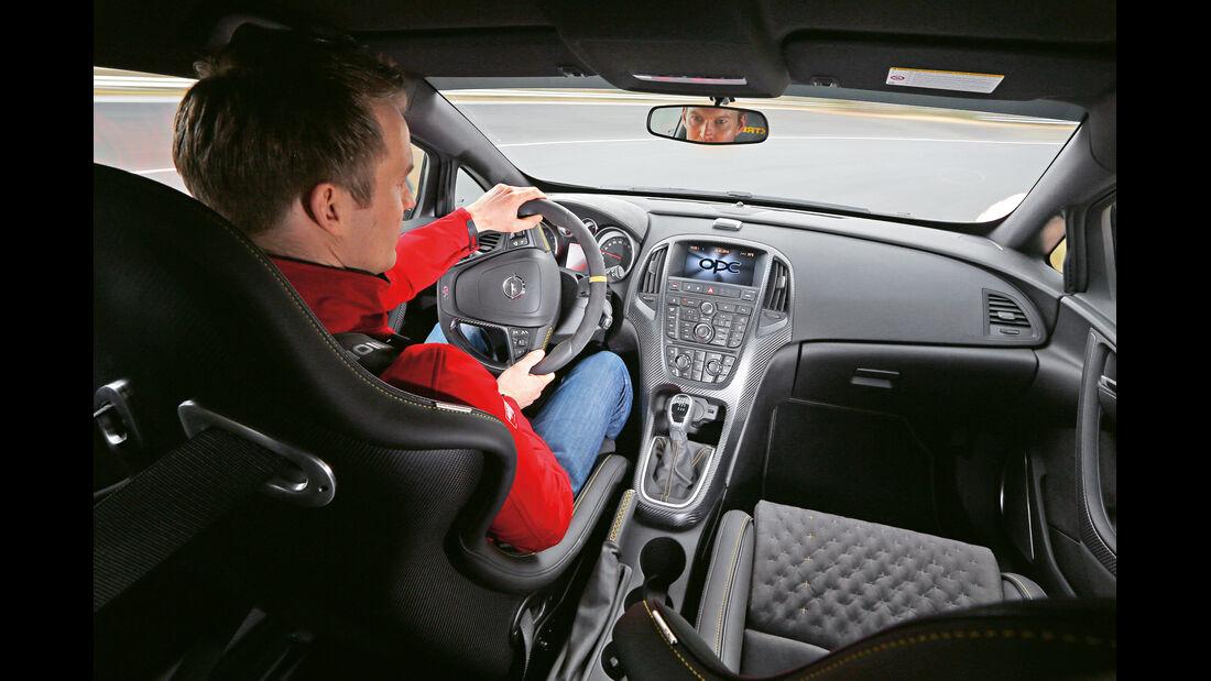 Opel Astra OPC Extreme, Cockpit, Fahrersicht