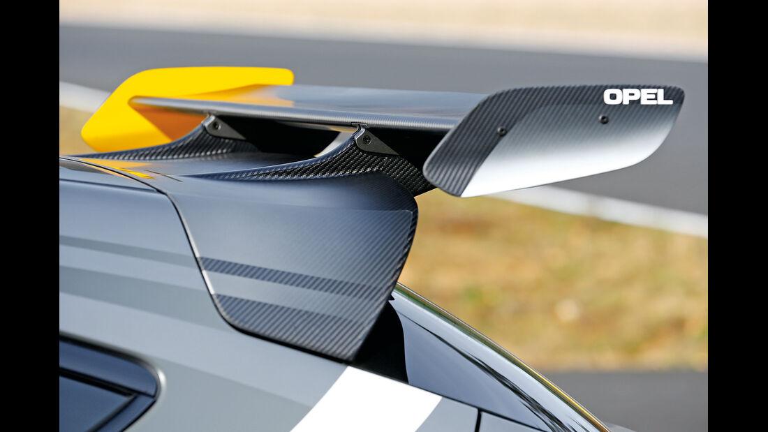 Opel Astra OPC Extreme, Heckflügel