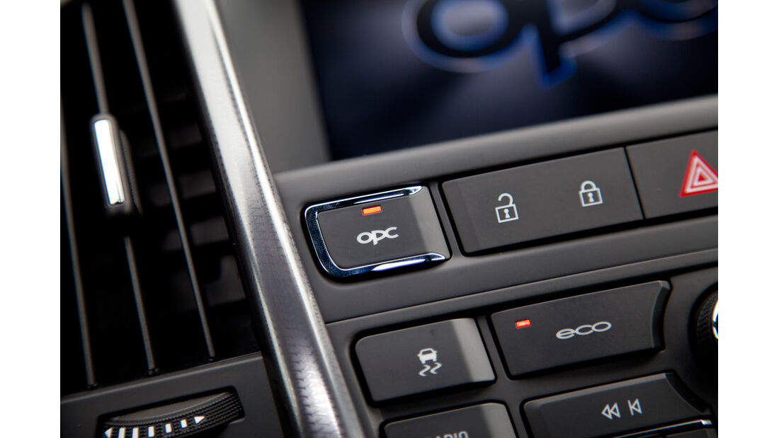 Opel Astra OPC, Mittelkonsole, Knöpfe